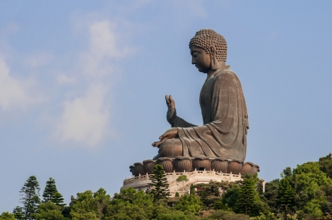 Tian_Tan_Buddha_by_Beria.jpg